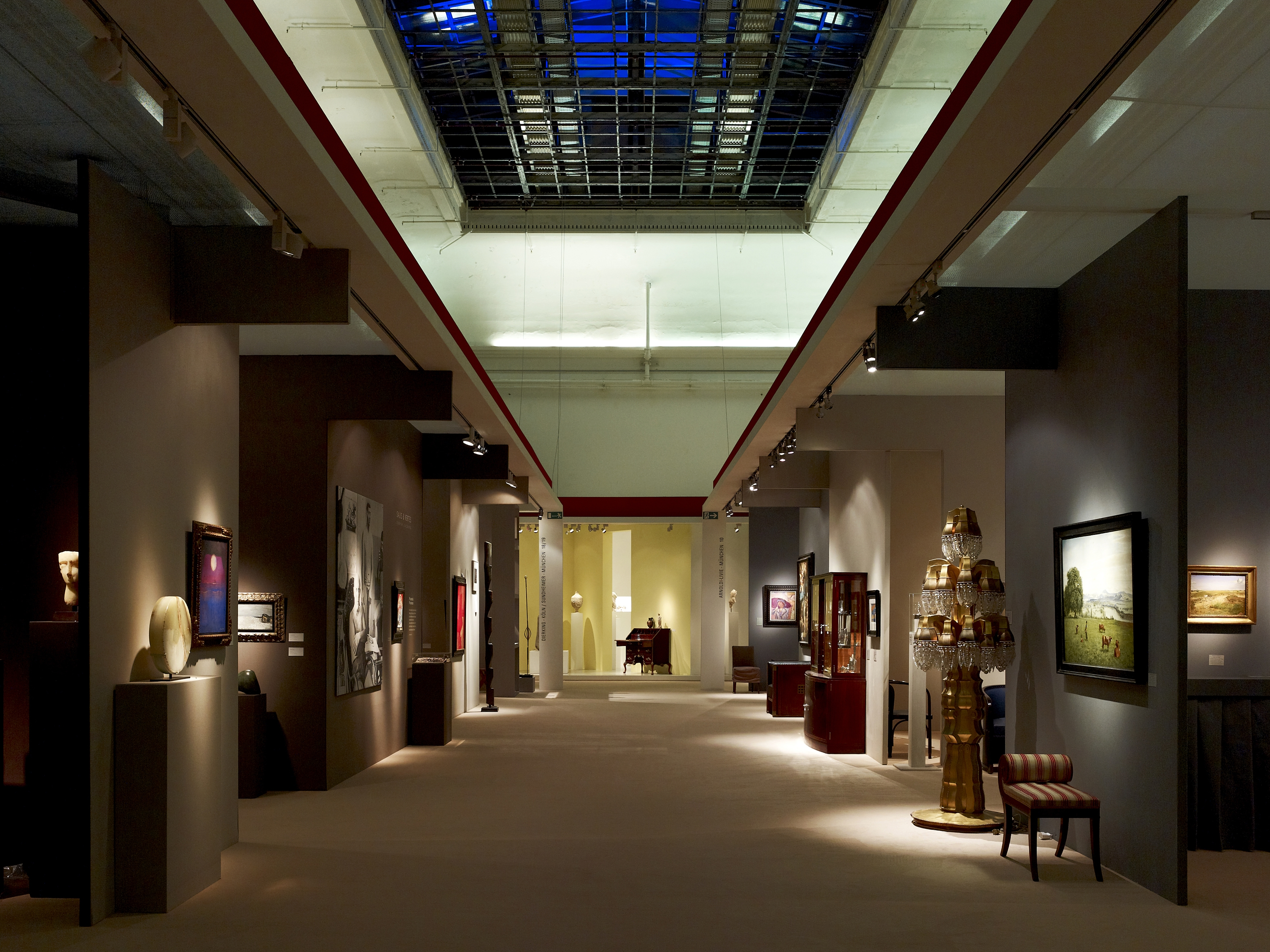 2 grosse kunstmessen in m nchen m. Black Bedroom Furniture Sets. Home Design Ideas